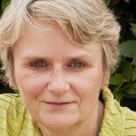 Author Interview: Lesley Thomson Talks About The House With No Rooms